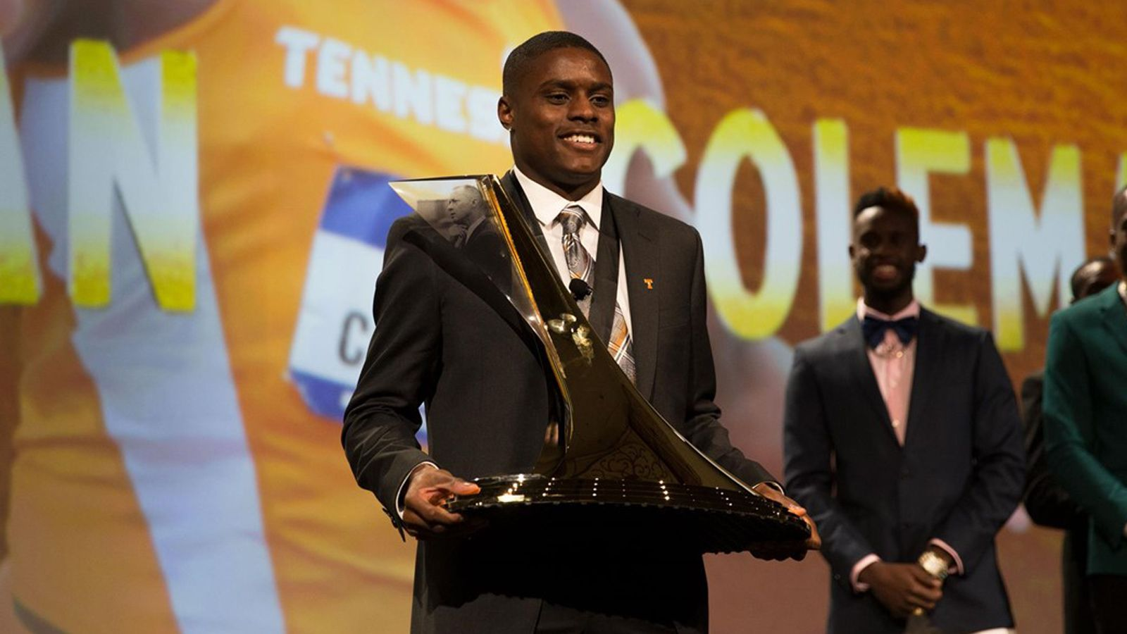 Tennessee's Coleman wins 2017 Bowerman Award