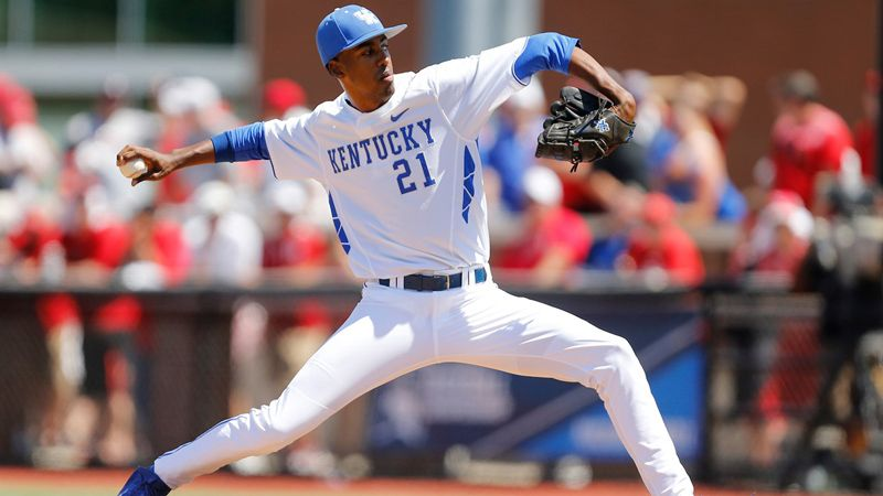 No. 8 Kentucky sweeps USC Upstate