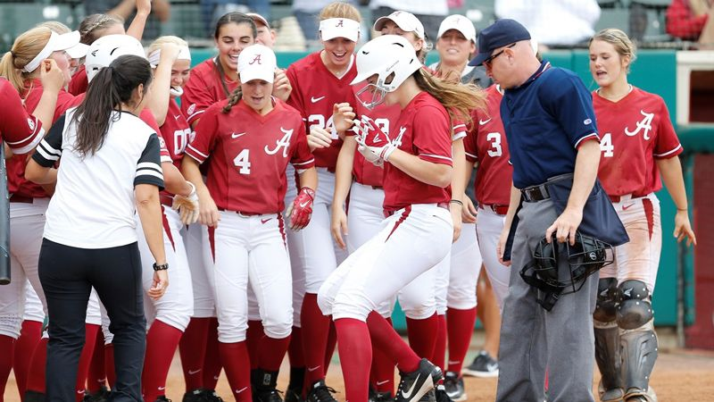 No. 9 Alabama loses first game of season to Baylor 2-1