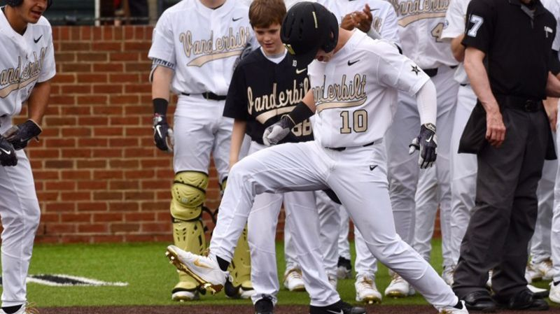 No. 10 Vanderbilt topples UMass Lowell 15-2