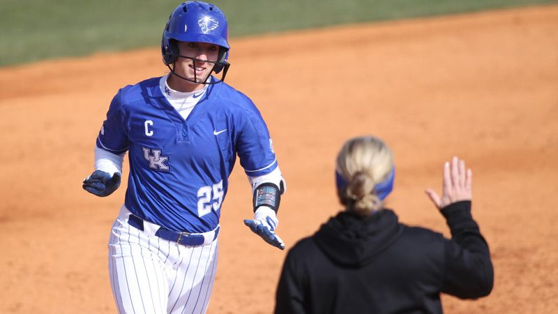 No. 18 Kentucky builds momentum in 7-1 win vs. WKU