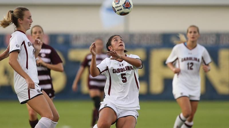 Gamecocks come from behind to defeat Aggies 2-1