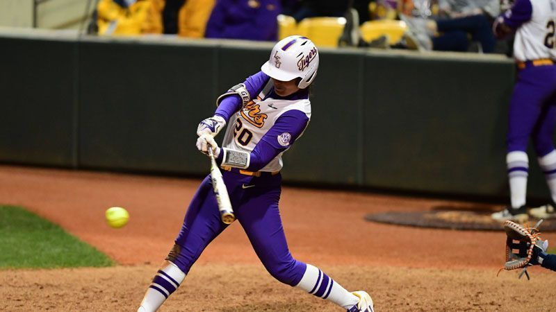 No. 7 LSU splits doubleheader