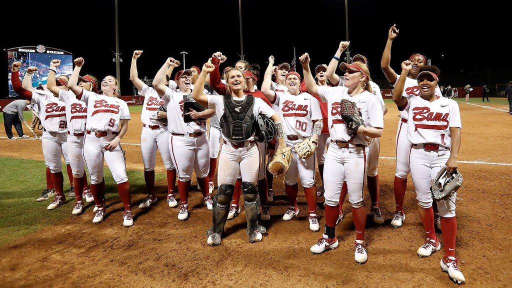 No. 4 Alabama stays unbeaten with pair of run-rule wins