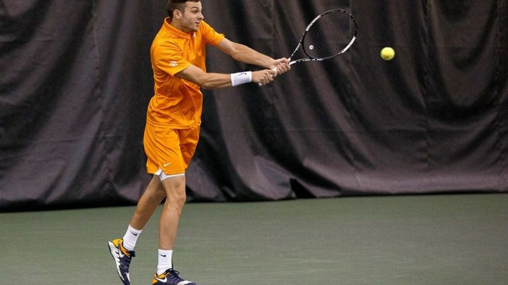 Vols cruise past Bulldogs