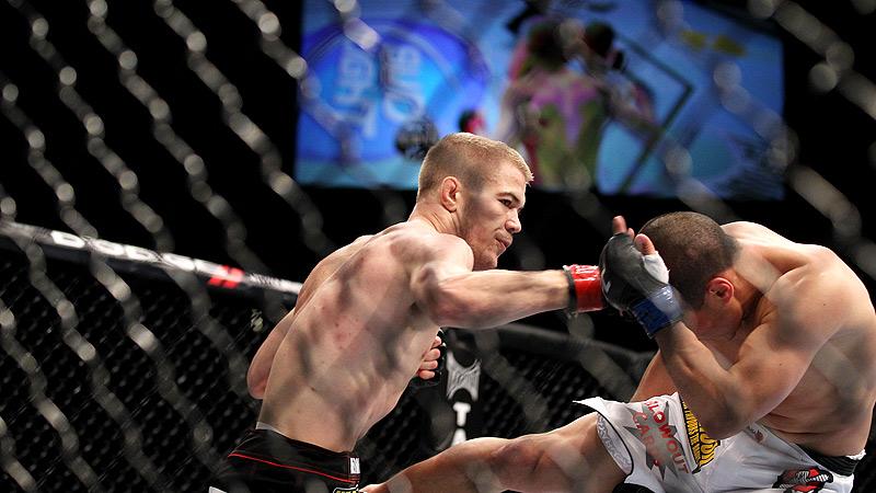 Chris Cariaso (white trunks) versus Michael McDonald
