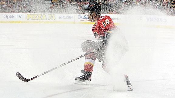 hockey descriptive essay