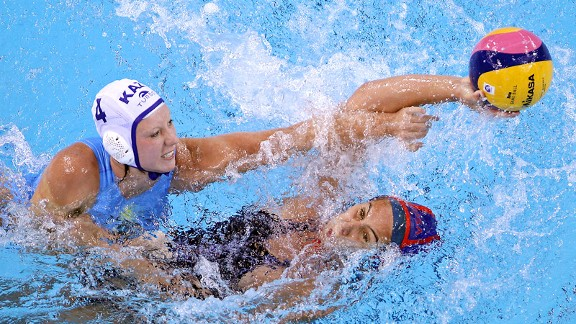 Annika Dries U S Women 39 S Water Polo Team Literally Fighting To Win