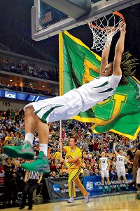 Brittney Griner will return to Baylor to help the Lady Bears defend their title.