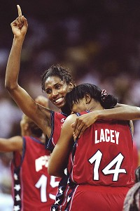 Lisa Leslie emerged as the go-to scorer, averaging 19.5 points per game during the Olympics.