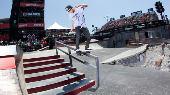 Nyjah Huston might just be unbeatable in Skateboard Street at this point.