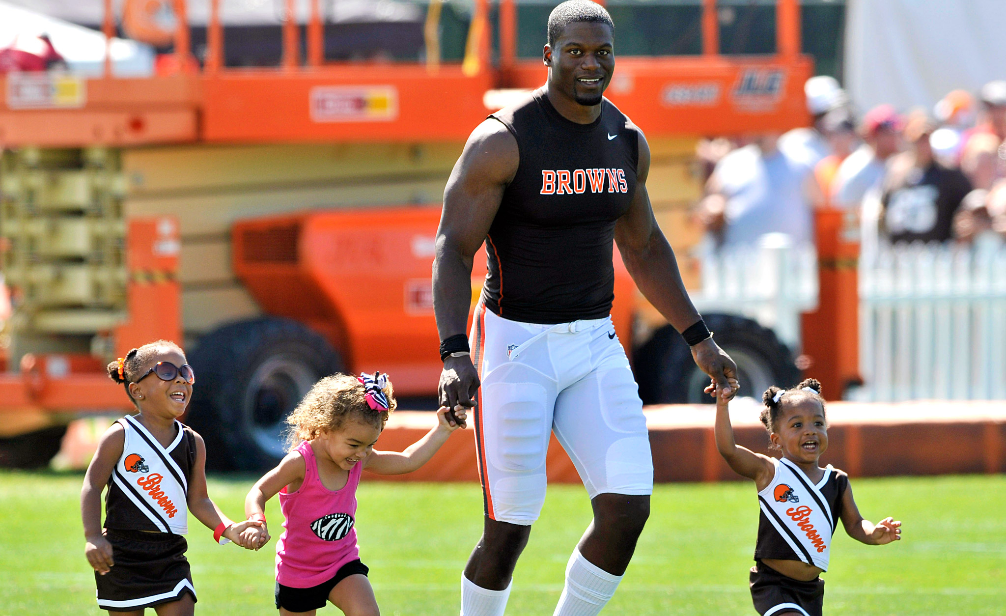 Benjamin Watson with his daughters