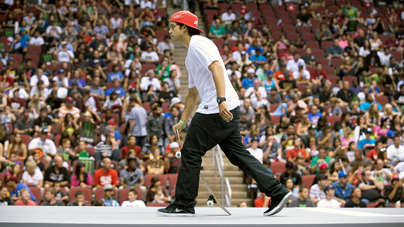 P-Rod prepares to take a run at Street League stop three in Glendale, Ariz.