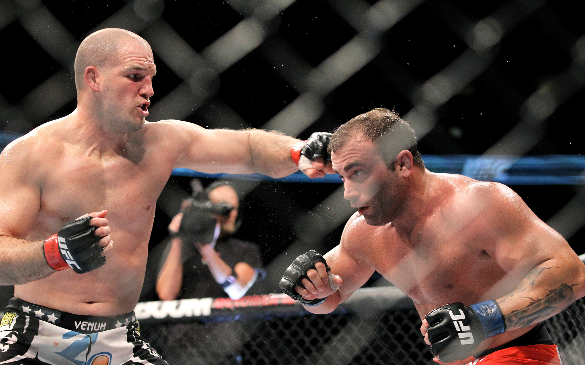Matt Hamill vs. Roger Hollett