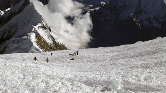 Rescuers search for victims and survivors amongst the rubble on Manaslu.