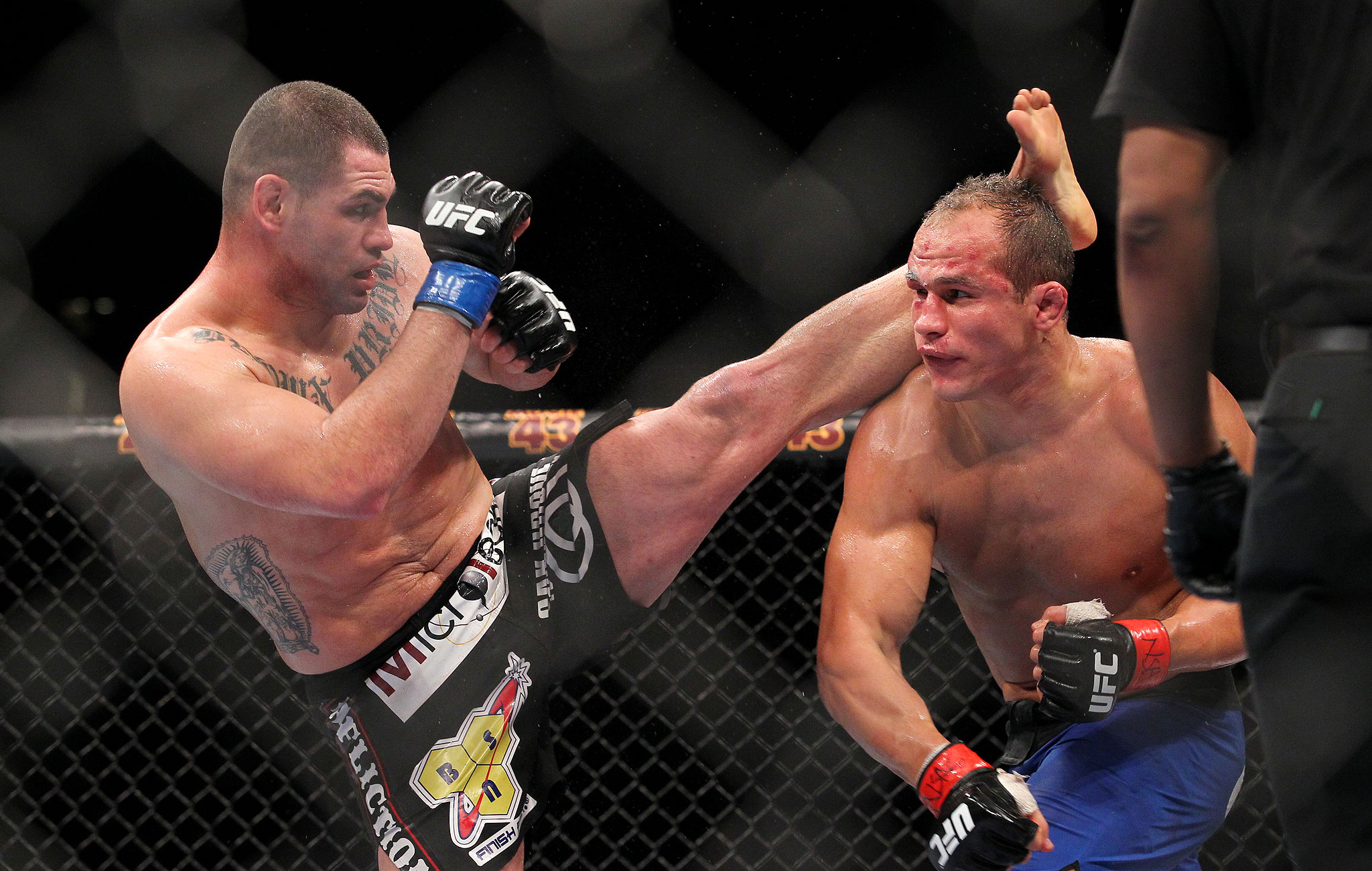 Junior dos Santos-Cain Velasquez - UFC 155 : Junior dos ...