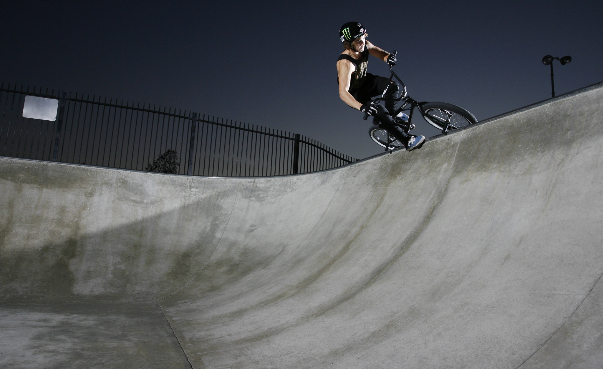 /photo/2012/1231/as_bmx_casey8_2048.jpg