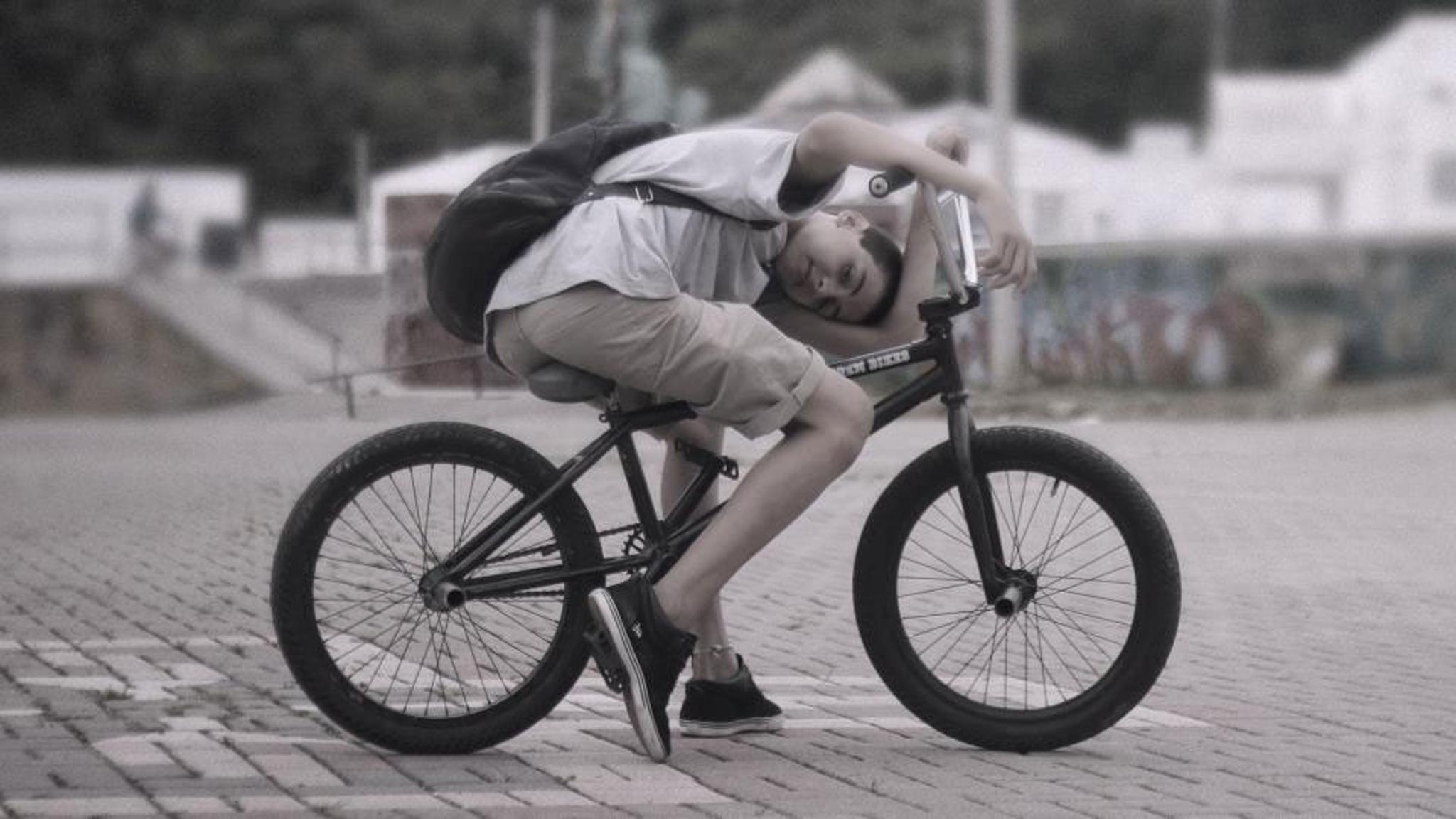 O jovem Jonathan Schweigert, um dos destaques da nova safra do BMX brasileiro