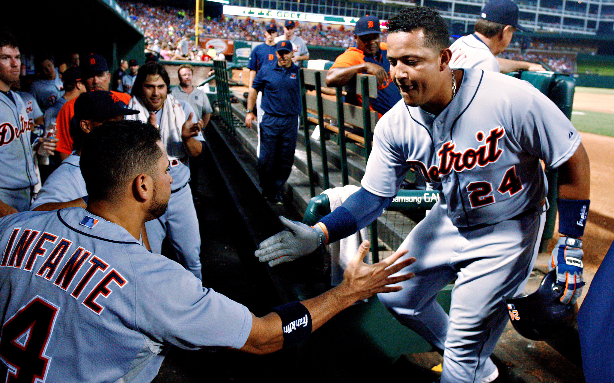 Miguel Cabrera slugs three home runs