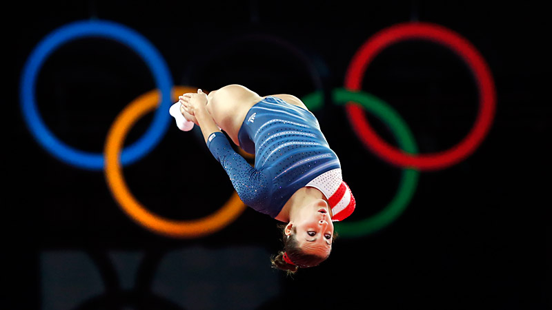 At age 19, Savannah Vinsant finished seventh in trampoline at the London Olympics, the first American to reach the finals in the event.