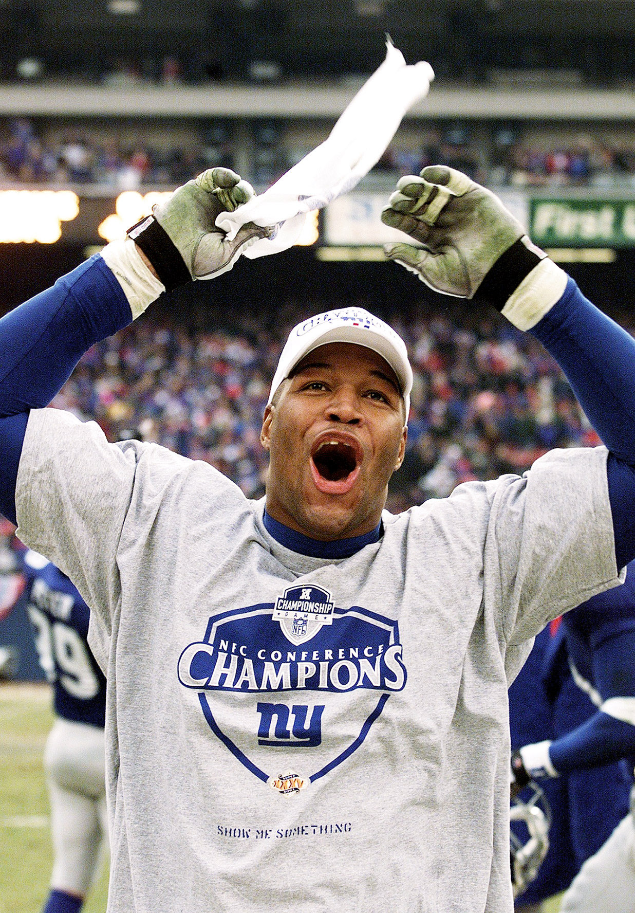 Michael Strahan and the Giants rolled over Minnesota in the 2000 NFC Championship Game, but fell in Super Bowl XXXV to the Ravens.
