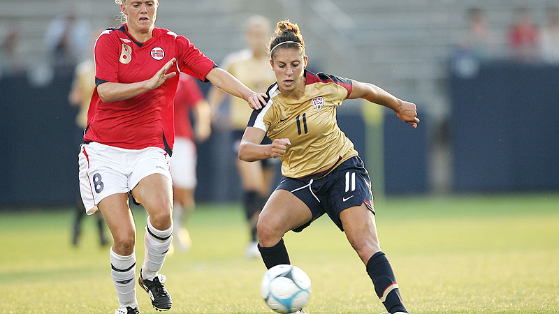 The U.S. edged longtime rival Norway 1-0 with a second-half goal from Carli Lloyd at Rentschler Field in East Hartford, Conn.