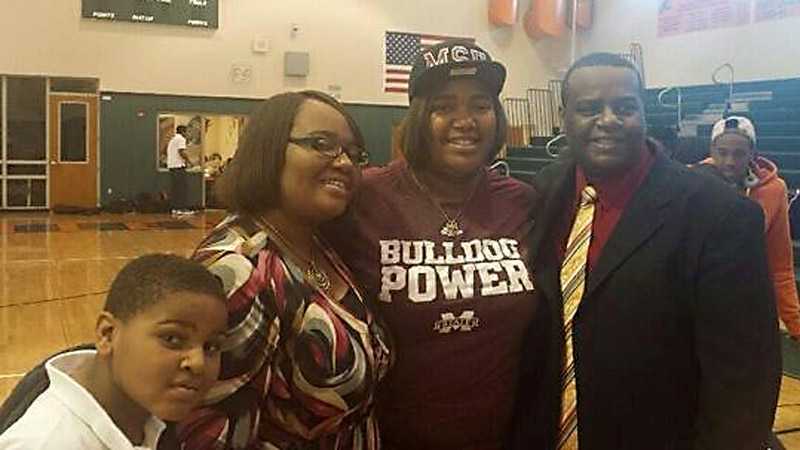 LaKaris Salter, the No. 89 prospect in the espnW HoopGurlz Top 100, signed a national letter of intent on Wednesday to play at Mississippi State. Im excited to be a Bulldog, Salter said. Ive been waiting for this moment for a long time. It was a great day. I(Photo Courtesy LaKaris Salter)/I