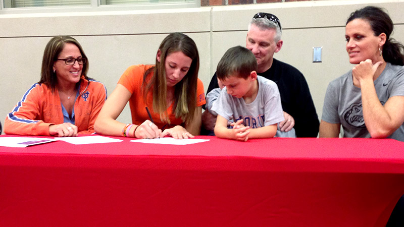 Haley Lorenzen, a 6-foot-3 post player and the No. 35 prospect in the espnW HoopGurlz Top 100, signed a national letter of intent on Wednesday to play at Florida.   i(Photo Courtesy of Karen Napolitano)/i