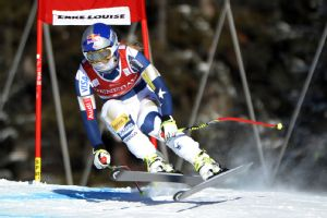 Lindsey Vonn competed in a World Cup race Friday for the first time in 10 months.