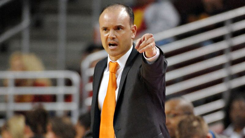 Pac-12: Scott Rueck, Oregon State (21-9, 13-5)