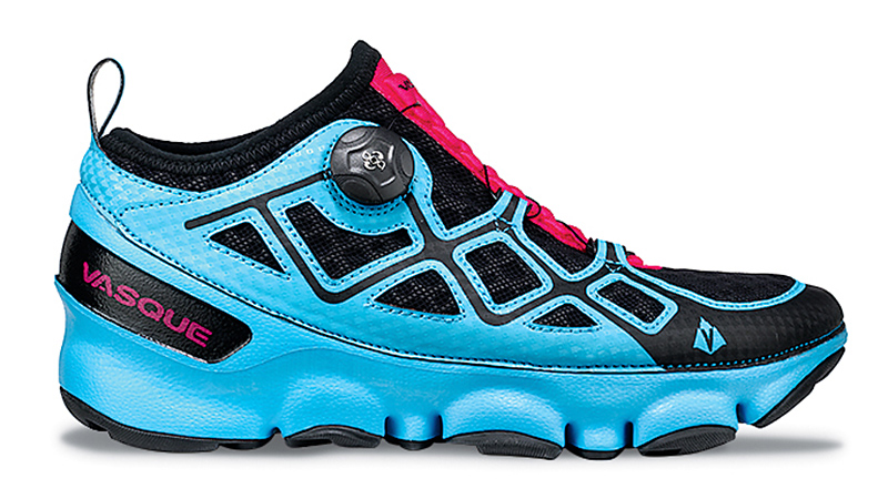Part of the maximal cushioning trend, the Ultra SST's technology works to conform to the contours of the foot, as well as the irregularities of the trail. Whether you're tackling an adventure race or a long trail run, the soft, high rebound insole and geometrical sole pods will support your stride for the longest runs. Characterized by a distinctive midsole construction, the EVA (ethylene vinyl scetate) is integrated into the upper to cradle the foot and provide extra motion control, eliminating the need for traditional toe and heel counters.