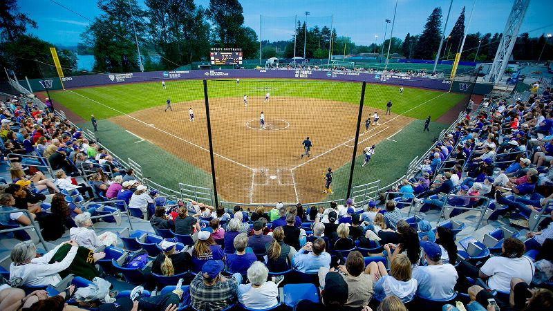 Washington hosts Utah at Husky Stadium this weekend, its first home series of the season.