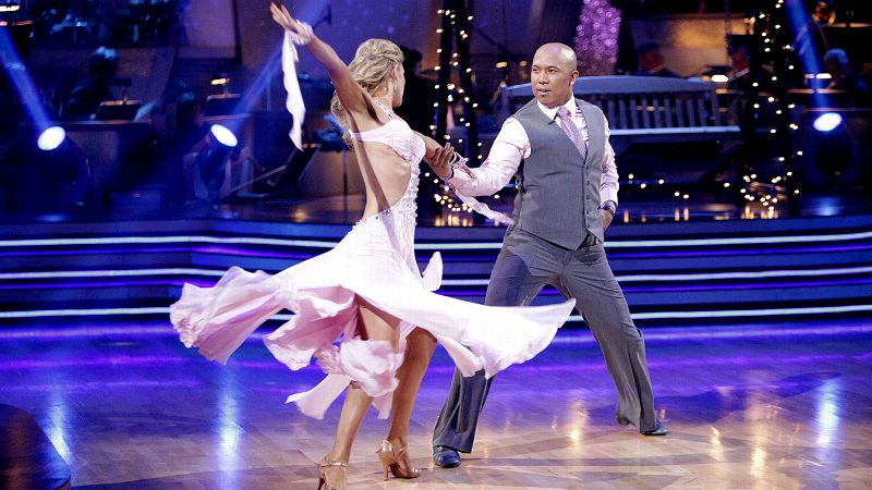 Two-time Super Bowl champion Hines Ward spent the offseason before his final NFL season tearing up the dance floor with partner Kym Johnson. The wide receiver wowed the judges with his abilities and had the season's top scores for his foxtrot, jive, quickstep, samba, tango, Argentine tango, salsa and freestyle. With nearly perfect scores in his routines during the two-night finale, Ward held off actress Kirstie Alley for the title.