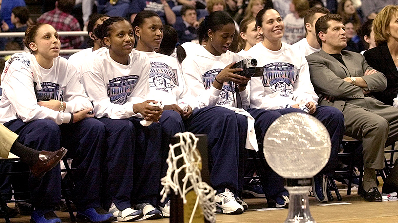 Considered by many to be the best women's college basketball team ever to play the game, the 2001-02 Huskies achieved the program's second perfect record at 39-0. Led by stars Diana Taurasi, Tamika Williams, Asjha Jones, Swin Cash and national player of the year Sue Bird, the Huskies beat Oklahoma 82-70 in the national championship game in front of a record crowd of 29,619 at the Alamodome in San Antonio.