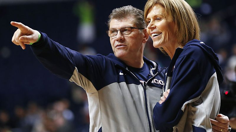 Geno Auriemma and Chris Dailey