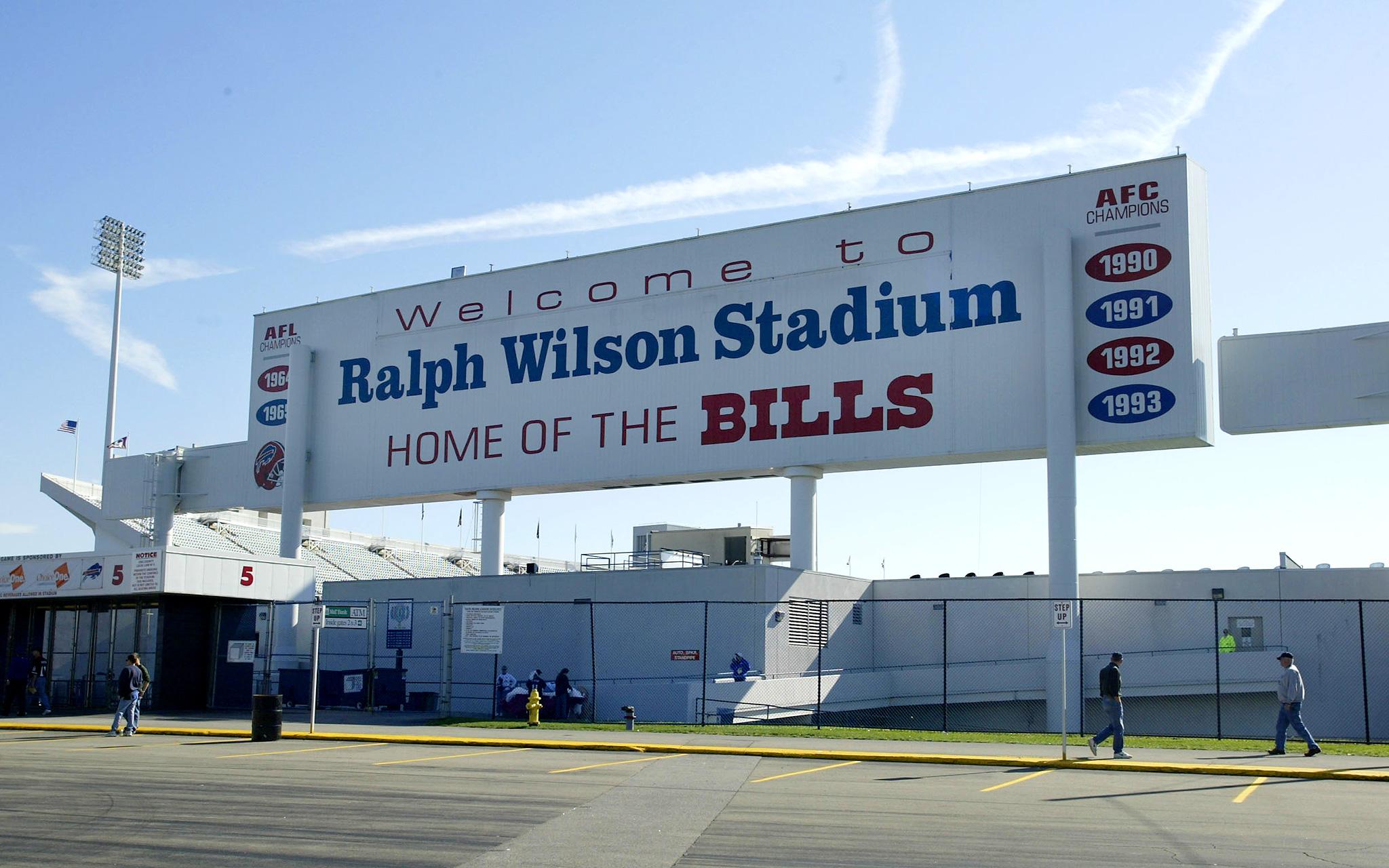 Ralph Wilson Stadium in 2002