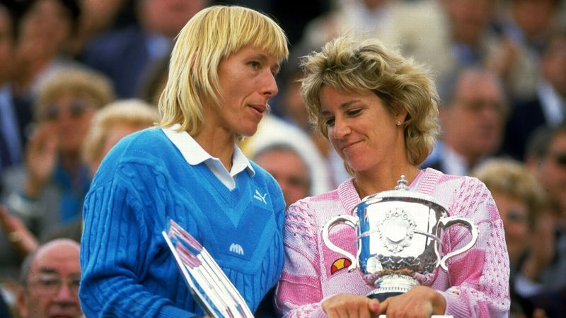 In what would be the last Grand Slam finals meeting between longtime rivals Chris Evert and Martina Navratilova, the legends met for the 22nd time in a Grand Slam final at Roland Garros. Entering the tournament, Navratilova was ranked No. 1 in the world and Evert was looking for her record seventh French Open title. It was a true clash of the titans. Evert ultimately emerged victorious in three sets, 2-6, 6-3, 6-3.
