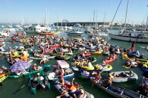 McCovey Cove ... where fans wait for the long ball.