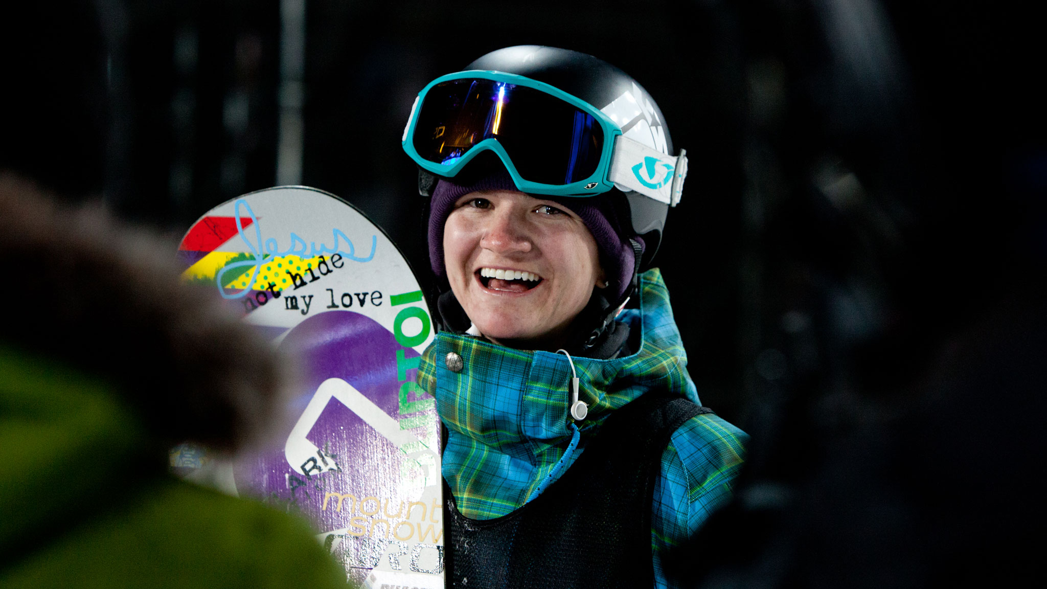 Kelly Clark became the first woman to land a 1080 in competition, at the X Games in 2011.