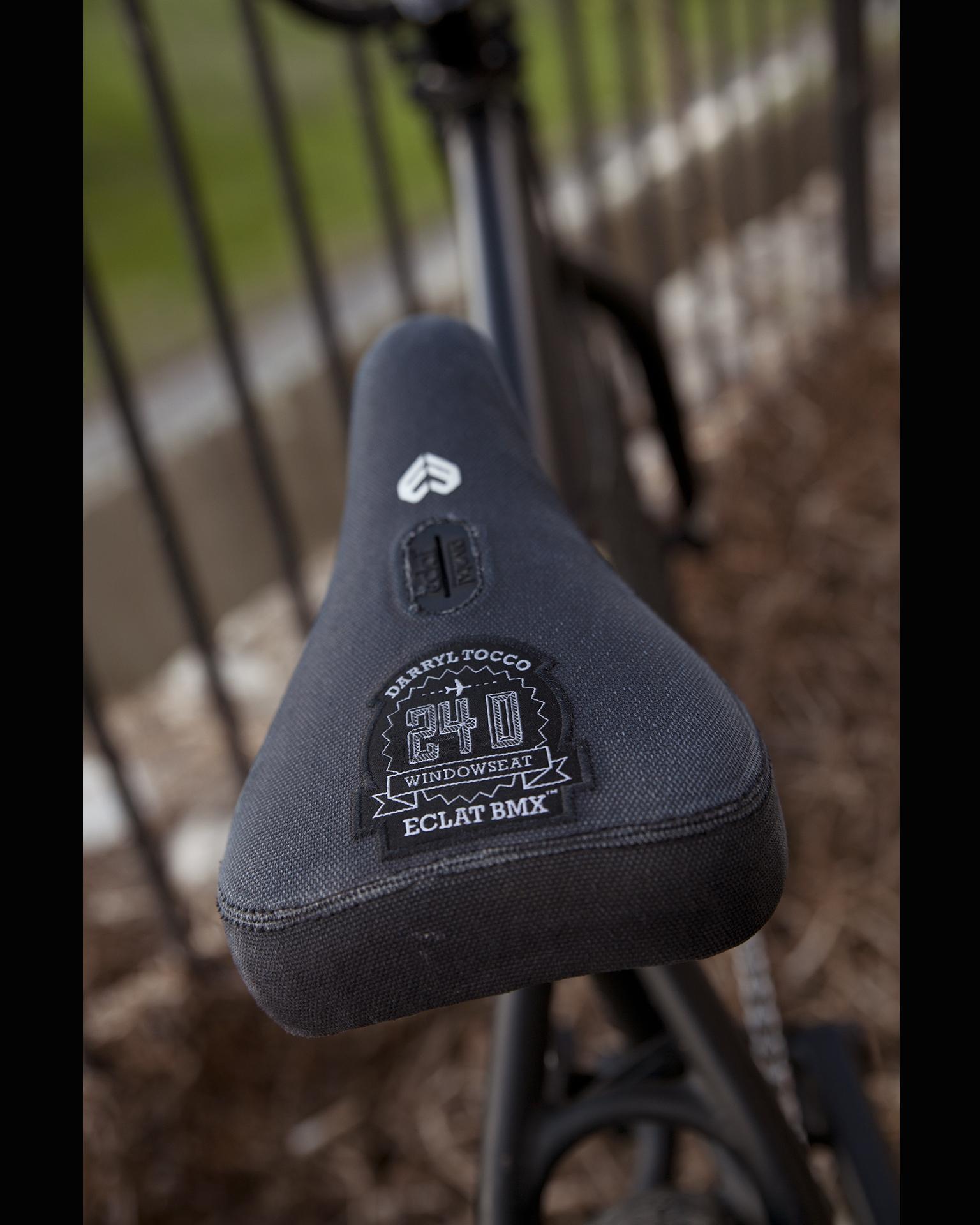 Signature clat seat