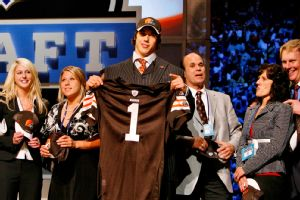 Twitter might have melted down in 2005 keeping up with the embarrassing fall of potential No. 1 pick Brady Quinn, who dropped all the way to No. 22.