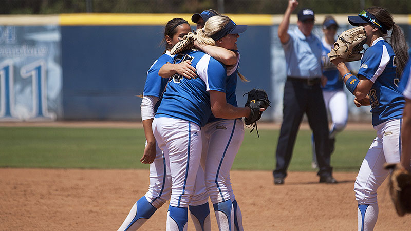 UCLA beat Notre Dame 1-0 Sunday, stopping the Irish with the bases loaded in the bottom of the seventh.