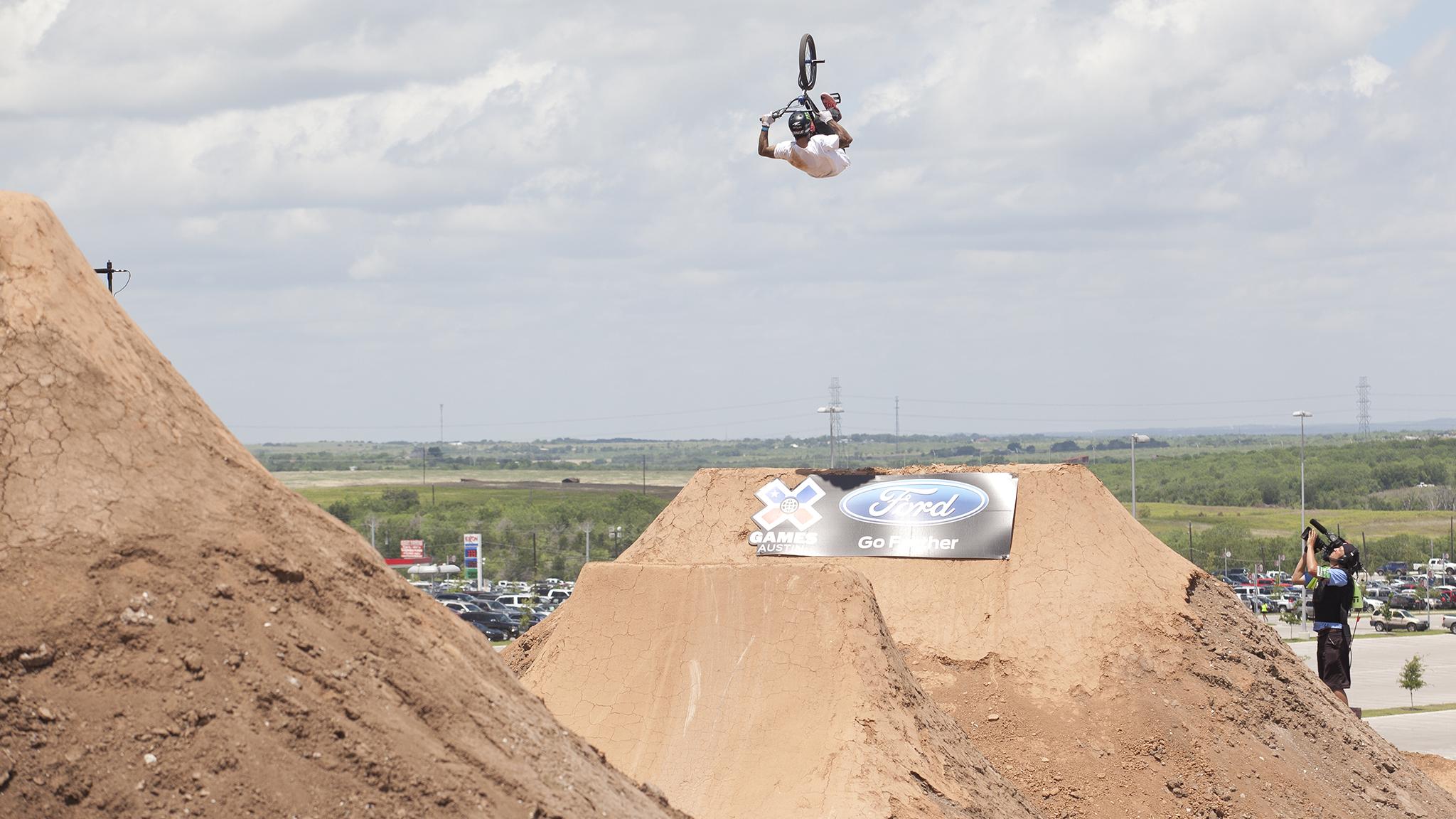 BMX Dirt -- Kyle Baldock