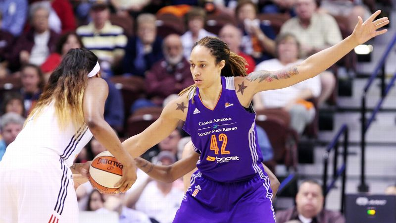 No surprise here: Brittney Griner steps it up