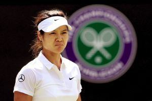 Two-time Grand Slam champion Li Na announced her retirement Friday at the age of 32.