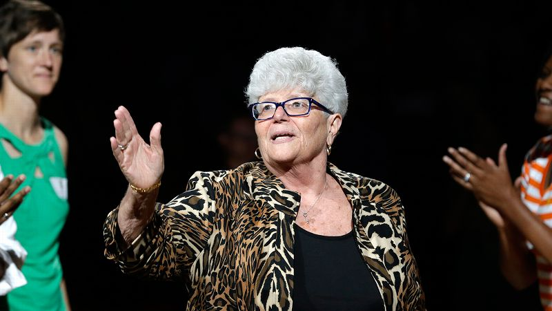 Fans have shown their appreciation for Lin Dunn as the end of her career approaches, but she's only looking forward.
