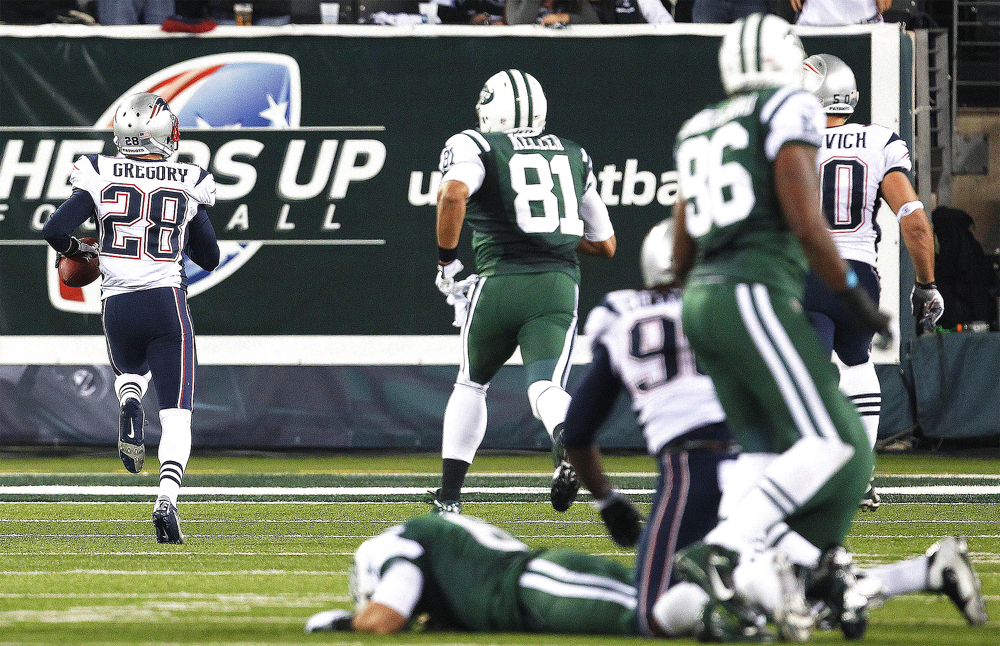 what time do the jets play tomorrow