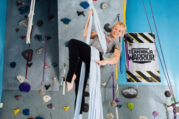 Jessie Graff in 2021 | Stunt woman, Flying woman, Jessie graff