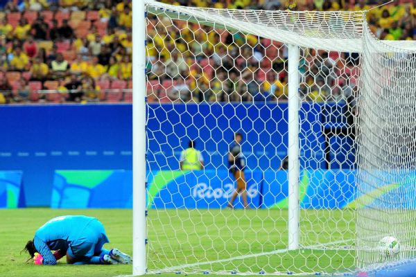 Hope Solo's first-half error proved costly in the United States' draw against Colombia.