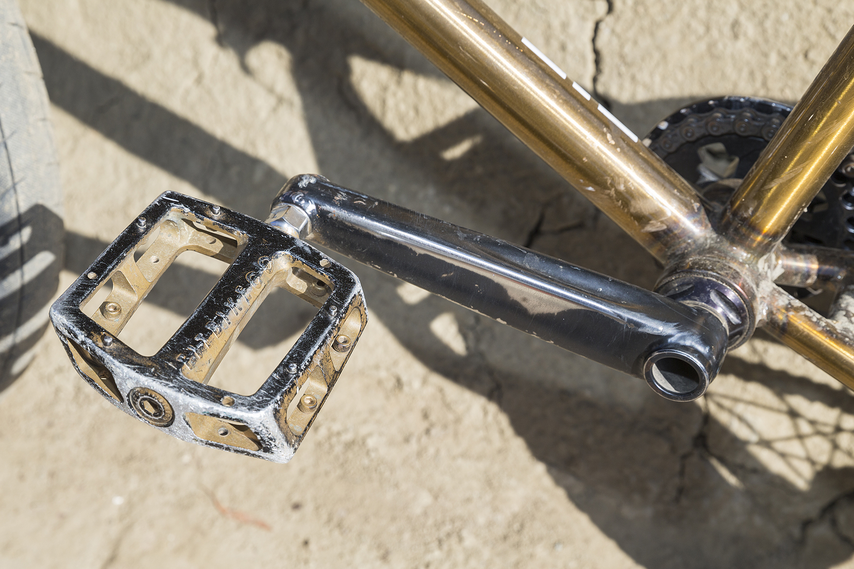 Gold pedals for Mirra